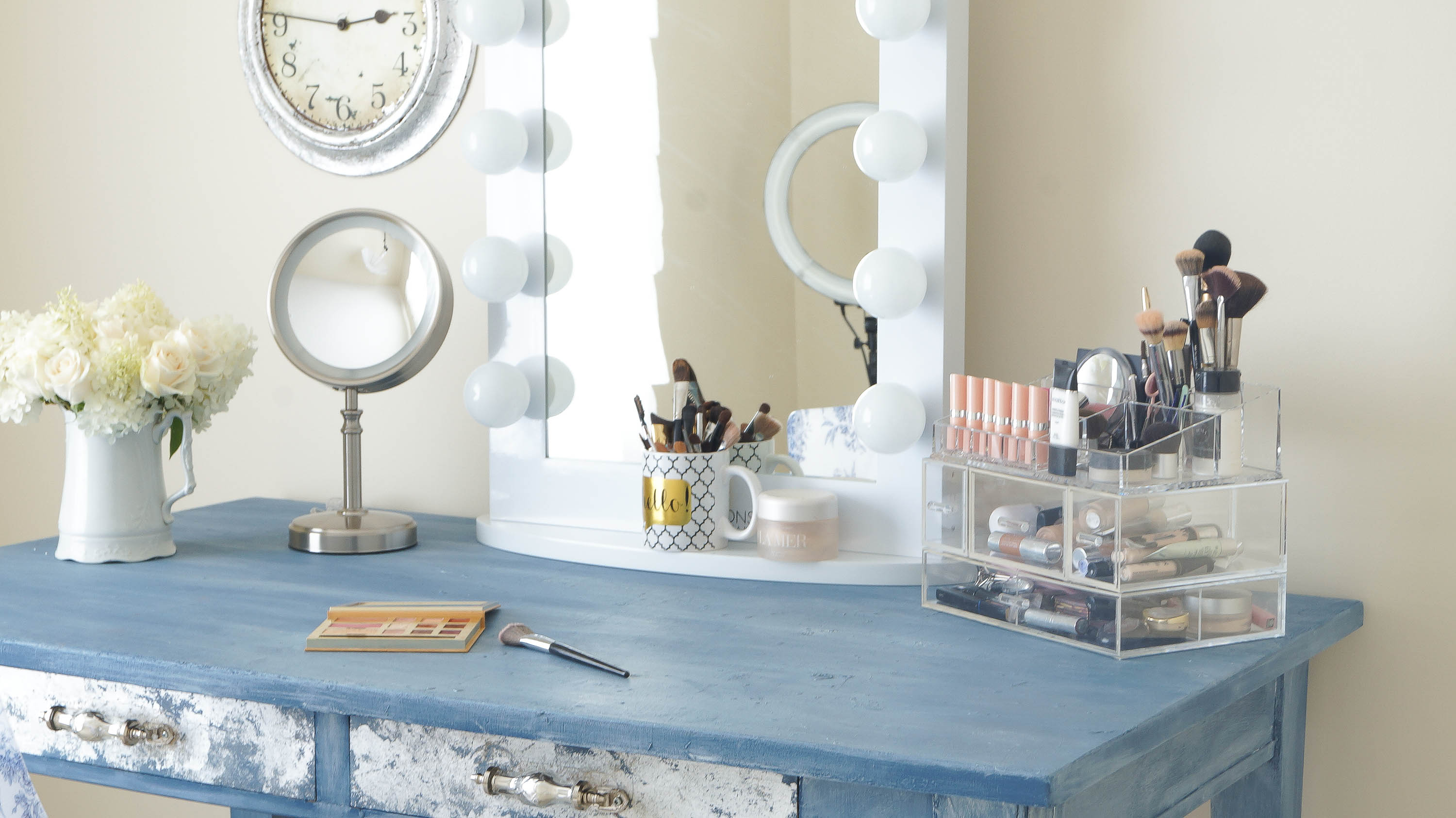 Makeup Mirror In My New Girly Room - White Lace Cottage on Make Up Room Design  id=31475